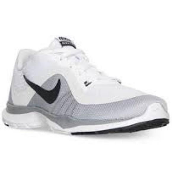 1c0e024b2ec7a Nike Women s Flex Trainer 6 Training Sneakers. M 5a8470b361ca1008c3667c01